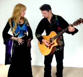 Rhiannon & Aymar Gourdet Guitarist, Video Photoshoot Coyote Kisses